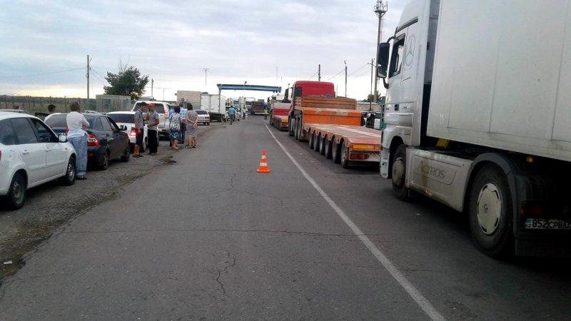 По Астрахани введено ограничение движения грузовиков и тракторов