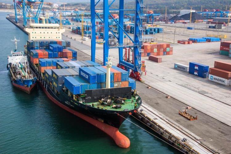 Maersk с партнерами послал североевропейские грузы в Азию в обход Суэцкого канала