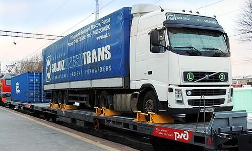 Россия. Утверждены правила перевозки автопоездов и автоприцепов в порожнем или груженом состоянии в железнодорожных вагонах