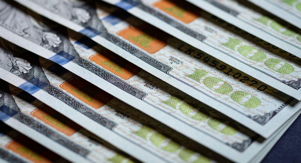 Физлицам разрешили вывозить из Узбекистана больше наличной валюты