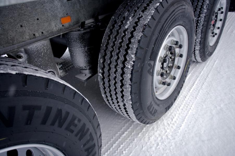 Германия. Действуют новые правила относительно зимних шин в грузовиках