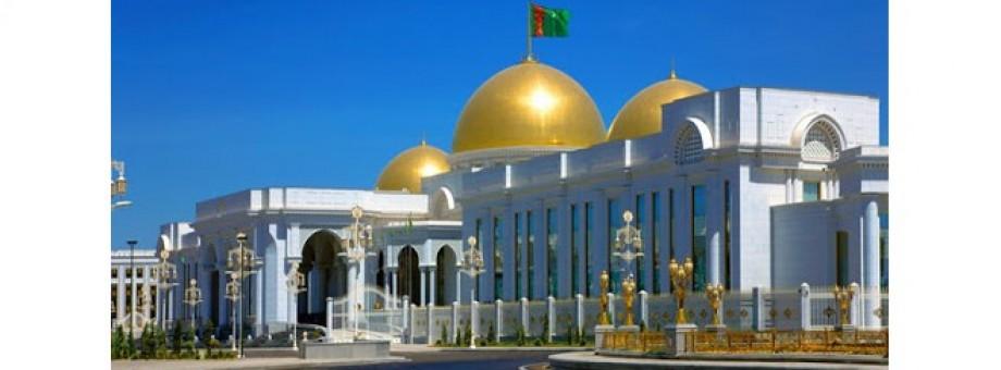 Туркменистан: Упорядочены платежи и сборы за грузоперевозки