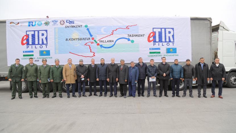 Из Казахстана в Узбекистан впервые отправлен груз по процедуре eTIR