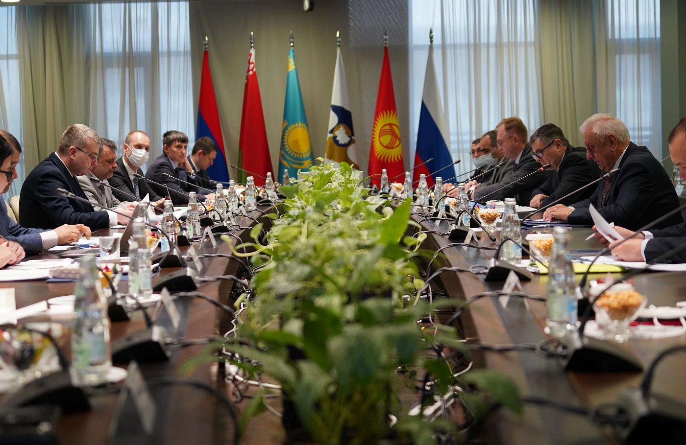 ЕАЭС. Страны активно работают над Соглашением о внедрении электронных навигационных пломб