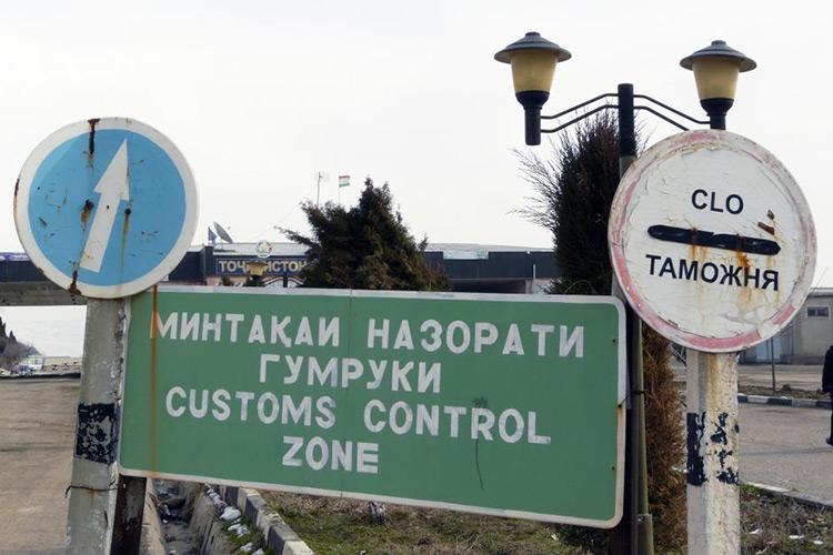 Таможня Таджикистана: товарооборот с Кыргызстаном уменьшился на $4 млн