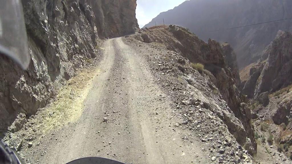 Министр транспорта заявил о выходе Таджикистана из коммуникационного тупика.